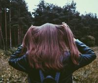 На ковре опавших листье: какие ароматы выбирать осенью